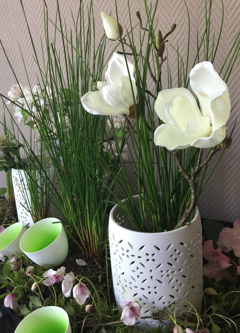 tolle dekoideen mit magnolien die wundersch nen fr hlingsboten. Black Bedroom Furniture Sets. Home Design Ideas
