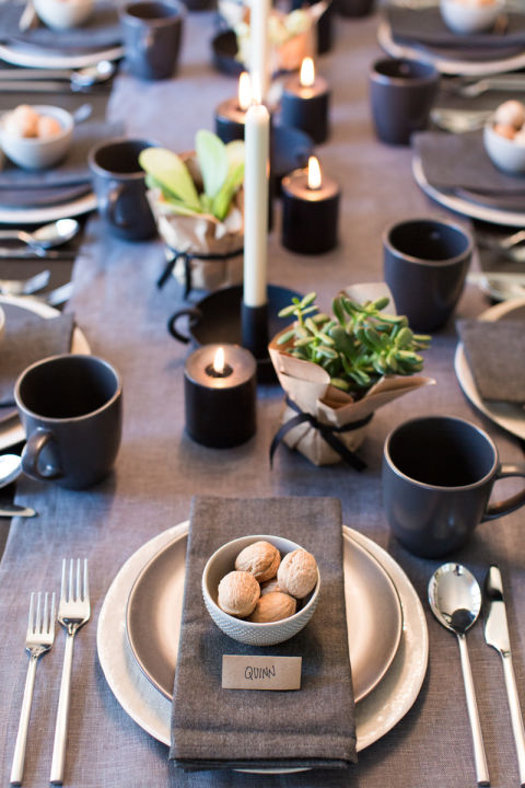 Tischdeko rustikal in schwarz und gold